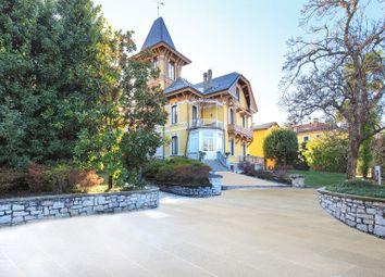 Thumbnail 8 bed villa for sale in Porto Valtravaglia, Porto Valtravaglia, Varese, Lombardy, Italy