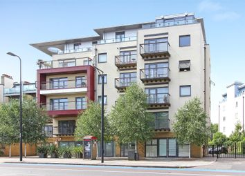 Thumbnail 1 bed flat for sale in Houghton Square, Clapham