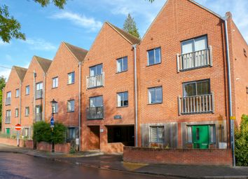 Thumbnail 3 bed flat to rent in Vicarage Hill, Alton