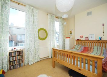 4 bed maisonette to rent in Cavendish Road, London SW12