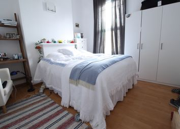 Thumbnail 3 bed flat to rent in Kenworthy Road, Hackney