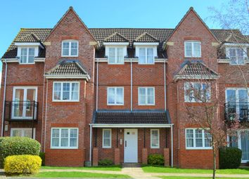 Thumbnail 2 bed flat to rent in Fennel Court, Thatcham, Berkshire