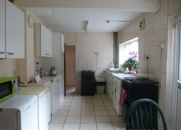 Thumbnail 1 bed flat to rent in Crofton Avenue, Yeovil