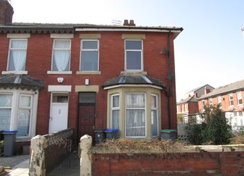 2 bed flat to rent in Gorton Street, Blackpool FY1