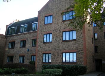 Thumbnail 1 bed flat to rent in 47 Worcester House, Sutton