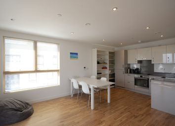 Thumbnail 1 bed flat to rent in Alfred Street, Reading