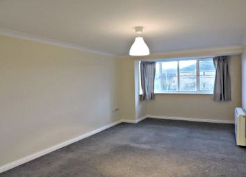 2 bed property to rent in Peatey Court, Princes Gate, High Wycombe HP13