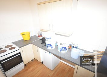 Thumbnail 1 bed flat to rent in Graham Road, Southampton, Hampshire