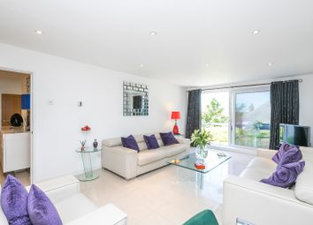 Ashmeads Apartments, Church Lane, Loughton, Essex IG10. 2 bed flat for sale