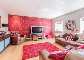 Thumbnail 2 bedroom flat to rent in Corringway, London