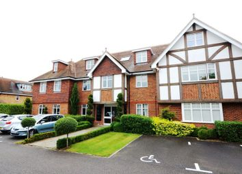Thumbnail 2 bed flat to rent in Shoppenhangers Road, Maidenhead