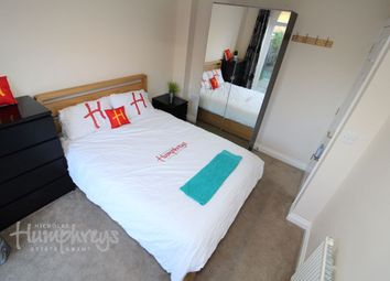 Room 2 - Creswell, Hook RG27. Room to rent
