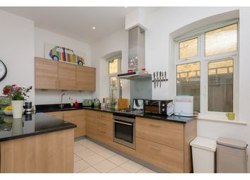 2 bed property to rent in Clarendon Rise, Lewisham, London SE13