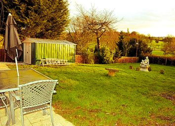 Thumbnail 2 bed flat to rent in Hilltop Gardens, London, Hendon