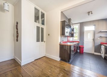Thumbnail 2 bed flat to rent in Upper Richmond Road West, London