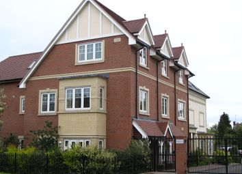 Thumbnail 2 bedroom flat to rent in Station Road, Hook