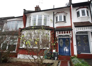3 bed property to rent in Belmont Avenue, Palmers Green, London N13