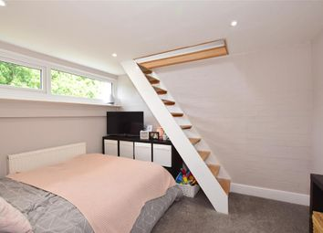 5 bed end terrace house for sale in Punch Croft, New Ash Green, Longfield, Kent DA3
