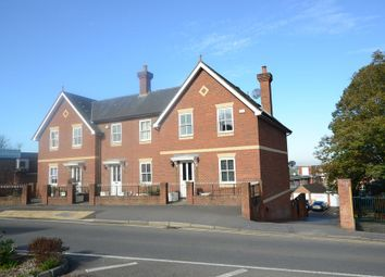 Thumbnail 2 bed town house to rent in Sydenham Road, Guildford