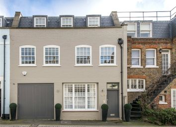 Thumbnail 4 bedroom mews house for sale in Devonshire Mews South, London