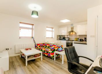 1 bed flat to rent in High Road, Wood Green, London N8