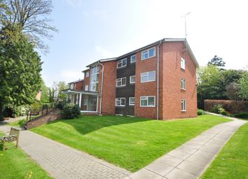 Thumbnail 3 bed flat to rent in Paddockhall Road, Haywards Heath