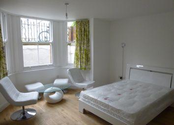 Thumbnail Studio to rent in Flat 2, 24 Newmarket Road, Cambridge