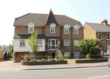 2 bed flat to rent in Old Road East, Gravesend, Kent DA12