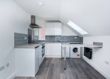 Thumbnail 1 bed flat to rent in West End Road, Mortimer Common, Reading