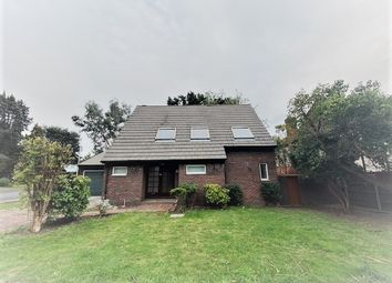 5 bed detached bungalow to rent in Freeman Way, Hornchurch RM11
