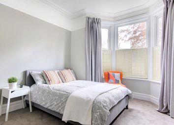 Room to rent in Croft Road, Swindon SN1