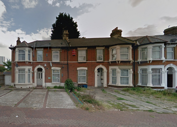 Thumbnail 2 bed flat to rent in Woodland Avenue, Ilford