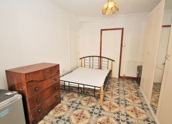 Thumbnail Studio to rent in Seventh Avenue, Hayes, Middlesex