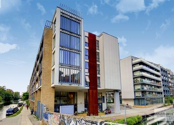 Pickfords Wharf, Wharf Road, London N1. 3 bed flat