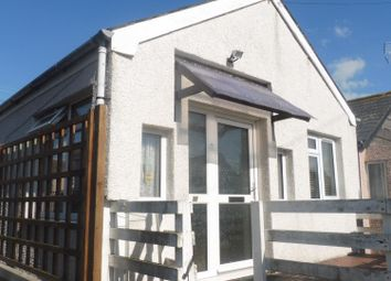 Thumbnail 2 bed property to rent in Essex Avenue, Jaywick, Clacton-On-Sea