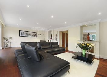 Thumbnail 6 bed detached house to rent in Hampton Court Way, East Molesey