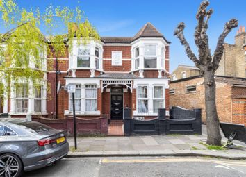 Abbotsford Avenue, London N15. 3 bed flat for sale