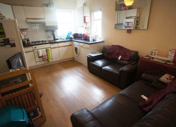 Thumbnail 4 bed flat to rent in Crwys Road, Cathays, Cardiff.