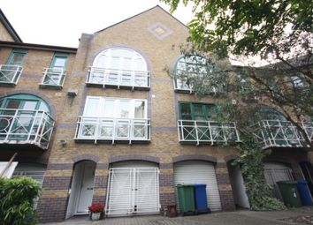 Thumbnail Room to rent in Eleanor Close, Rotherhithe, London