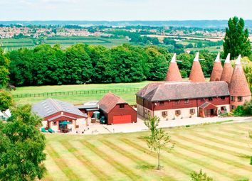 Thumbnail 9 bed barn conversion for sale in Gallants Lane, East Farleigh, Maidstone