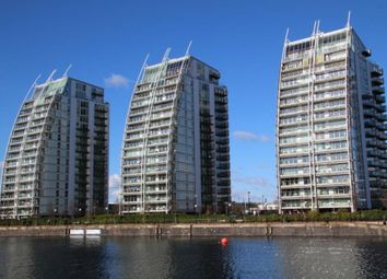 2 bed flat to rent in The Quays, Salford M50