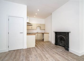 Thumbnail 1 bed flat to rent in Flat 4, Ground Floor, Connaught Avenue