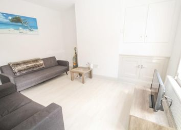 2 bed maisonette to rent in Morton Road, London N1