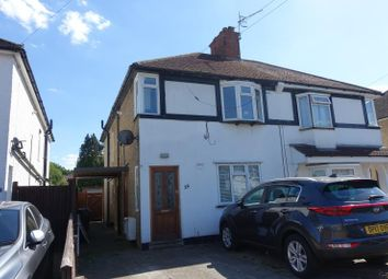 2 bed maisonette to rent in Hanworth Road, Redhill RH1