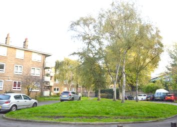 Thumbnail 2 bedroom flat to rent in St James Avenue, London E2,