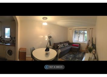 Thumbnail 1 bed flat to rent in Broomhill Road, London