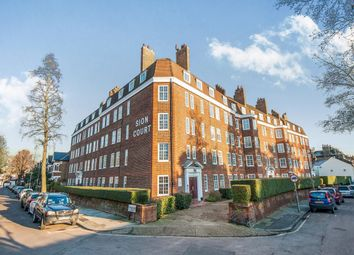 Thumbnail 3 bedroom flat to rent in Sion Road, Twickenham