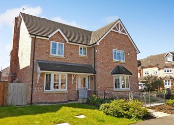 Thumbnail 5 bedroom detached house for sale in Fearndown Way, Macclesfield, Cheshire