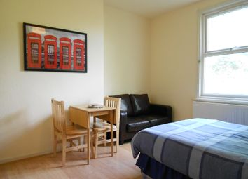 Thumbnail Room to rent in Blenheim Gardens, Willesden Green
