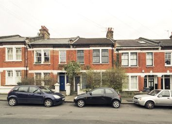 3 bed property to rent in Kingswood Road, London SW2